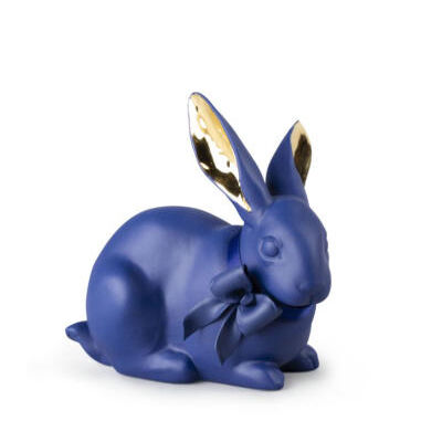 Attentive Bunny.