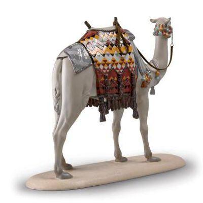Camel Figurine Gloss